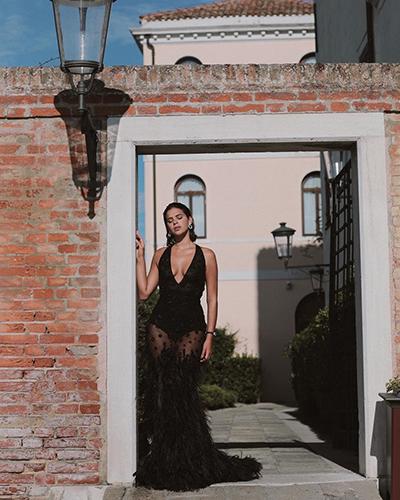 네이마르 애인, 파격 드레스로 드러낸 몸매