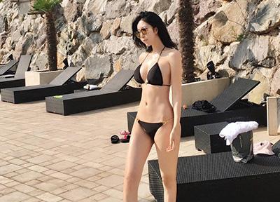 완벽 S라인 뽐낸 비키니 모델