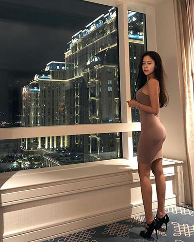 김주희, 몸매 드러낸 원피스 자태