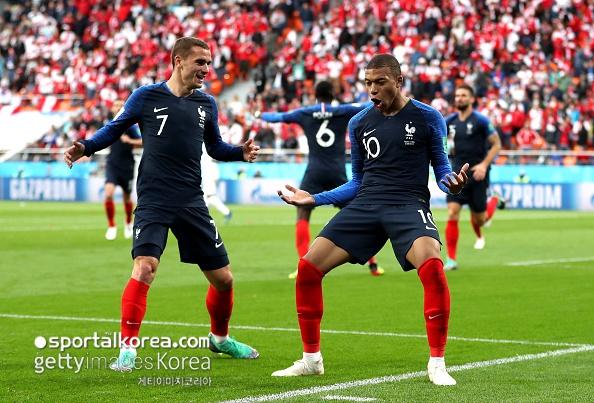 [프랑스-페루] '프랑스 최연소 득점' 음바페, FIFA 공식 MOM 선정