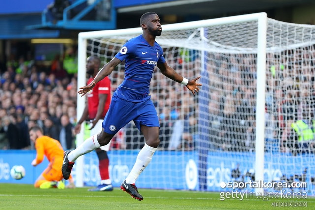 '포그바 따돌린 뤼디거' 첼시, 맨유에 앞서간다…1-0...