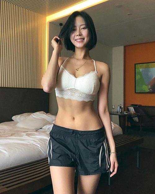김주희, S라인 드러낸 파격 자태