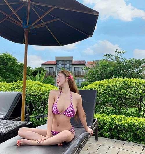 '파격' 수영복으로 뽐낸 글래머 몸매