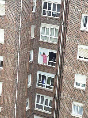목숨을 건 창문 청소