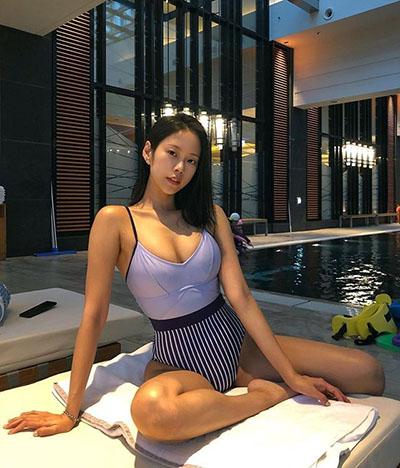 김주희, 수영복으로 뽐낸 볼륨 몸매