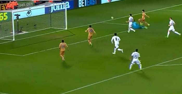 승부가 결정나지 않은 경기에서 추가 골을 넣은 손흥민의 골 장면이다.