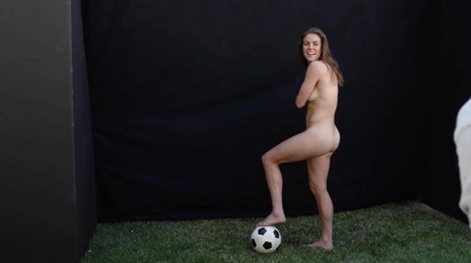미국 女 축구선수, 올 누드 화보 현장