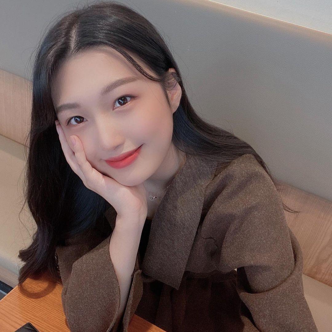 '청순+귀요미 매력' 만 18세 초특급 치어리더는 누구?
